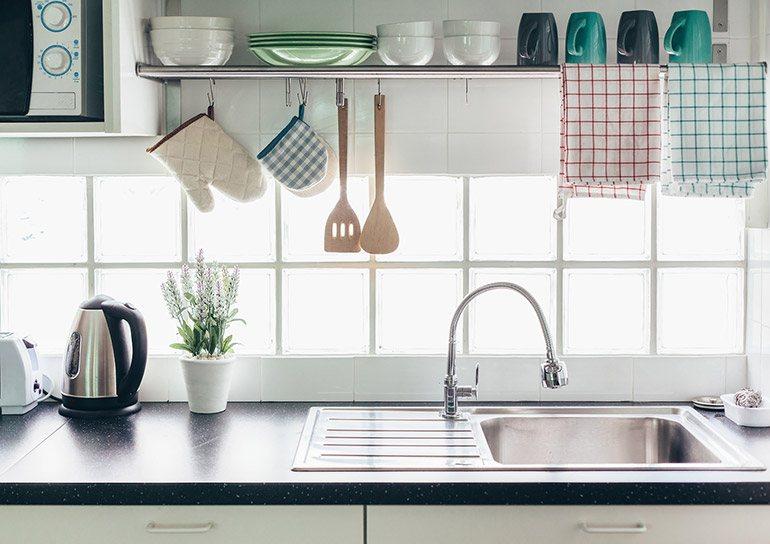 Bingung Menata Dapur Kecil Tanpa Kitchen Set Lakukan 3 Cara Ini